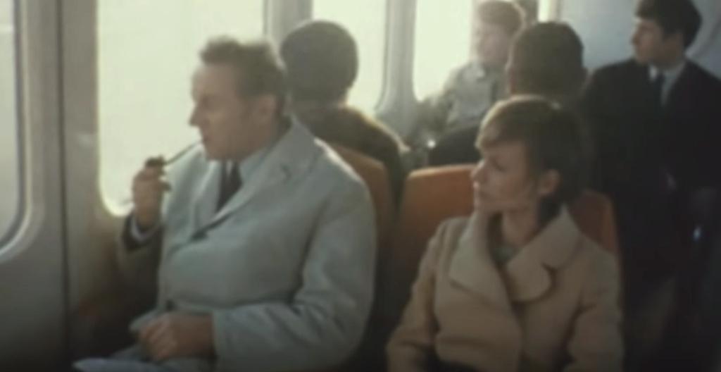 Hommage à l'aérotrain et à son créateur l'ingénieur Jean Bertin. 2020-025