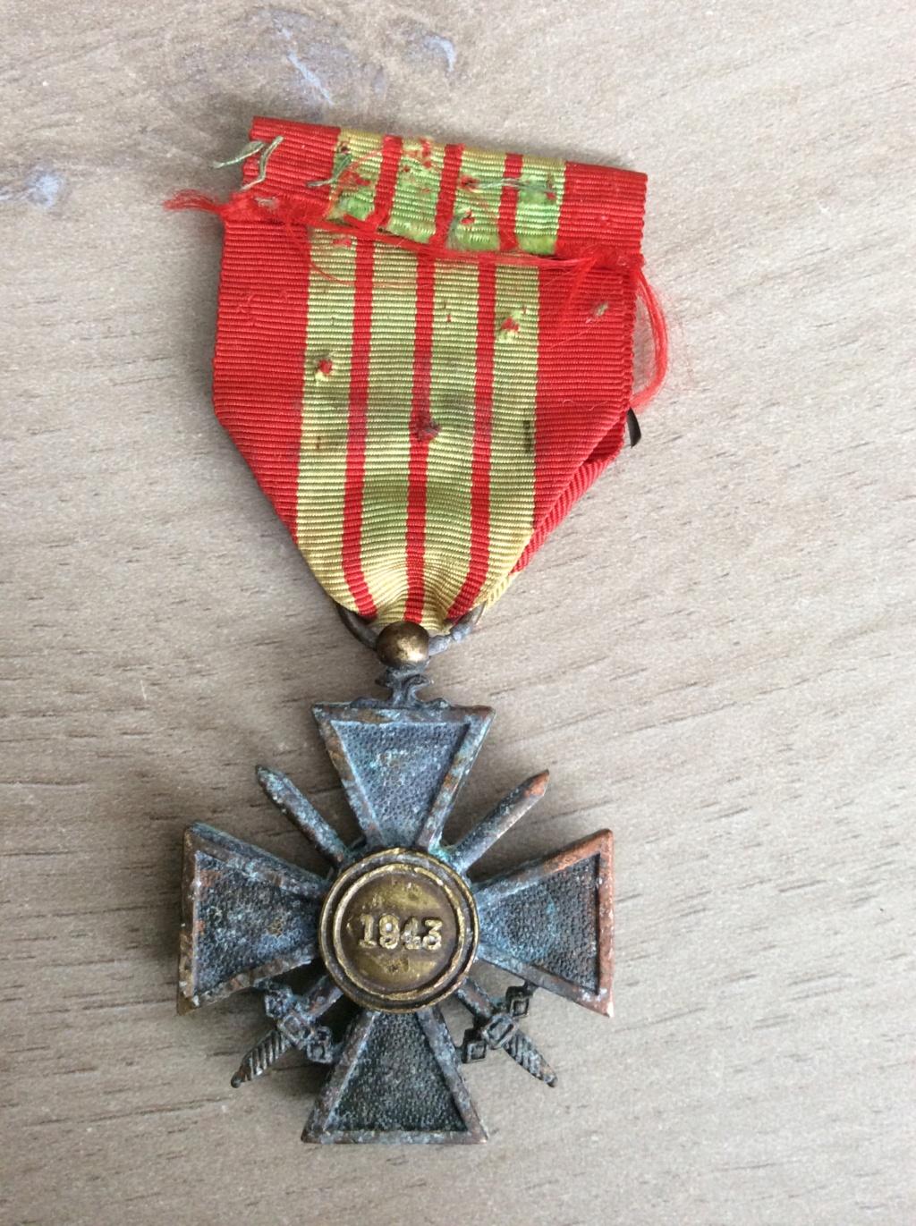 "Authentification croix de guerre ""Giraud"" Img_0512"