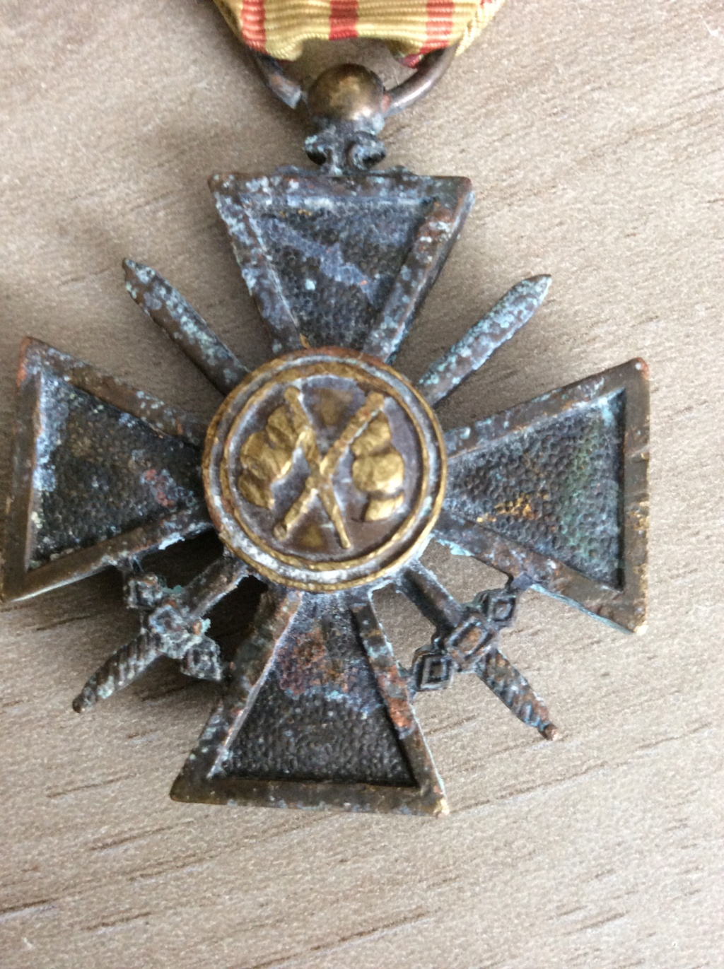 "Authentification croix de guerre ""Giraud"" Img_0513"
