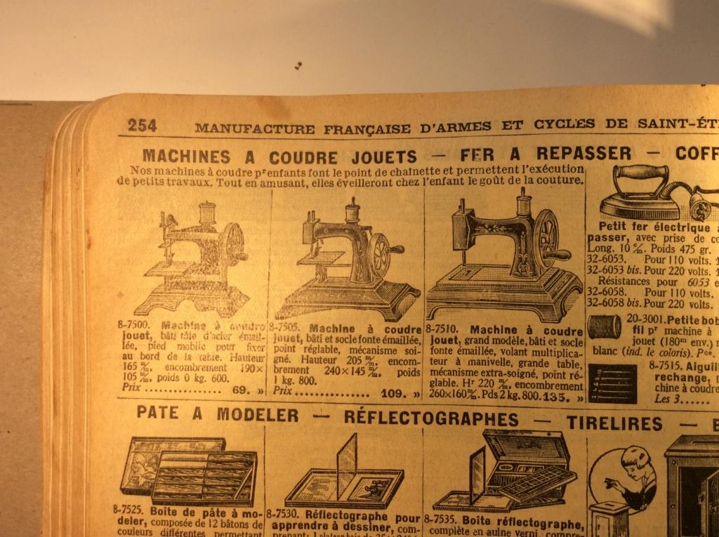Machine à coudre jouet Manufrance . Mac_ma12