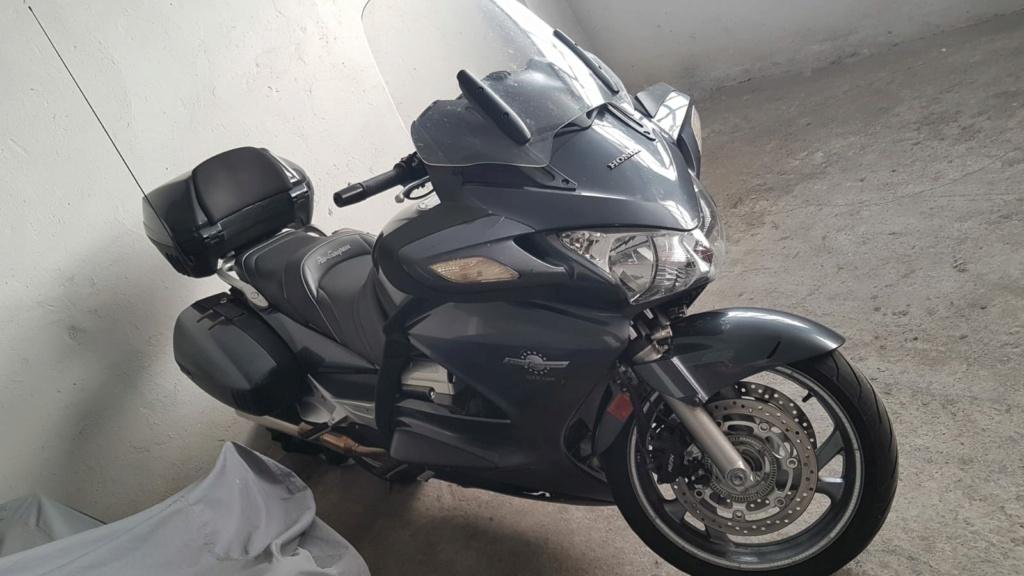 MI AMIGO MIGUEL ANGEL (VALLADOLID)  VENDE SU ST-1300 (VENDIDA) Img-2011