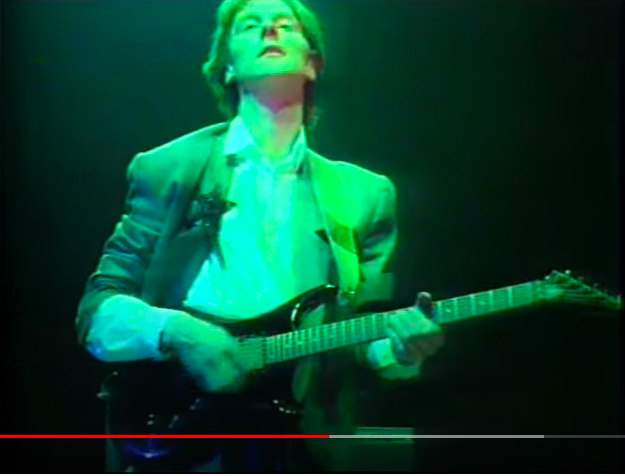 x390 - Is this a Westone Pantera X390? Level 42's Boon Gould in 1986... Panter11