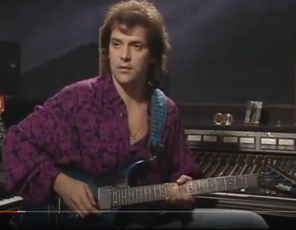 westone - Is this a Westone Pantera X390? Level 42's Boon Gould in 1986... Screen12