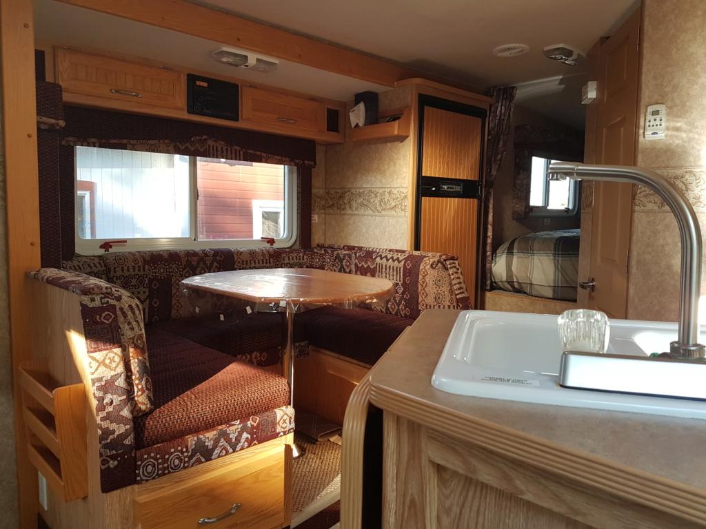 VENDU! Caravane portée O'Kanagan et camion Silverado 20190911