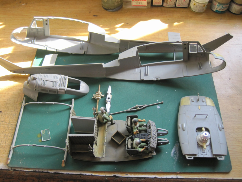 UH-1D - Dragon - 1/35 - Survol du Vietnam Img_3518