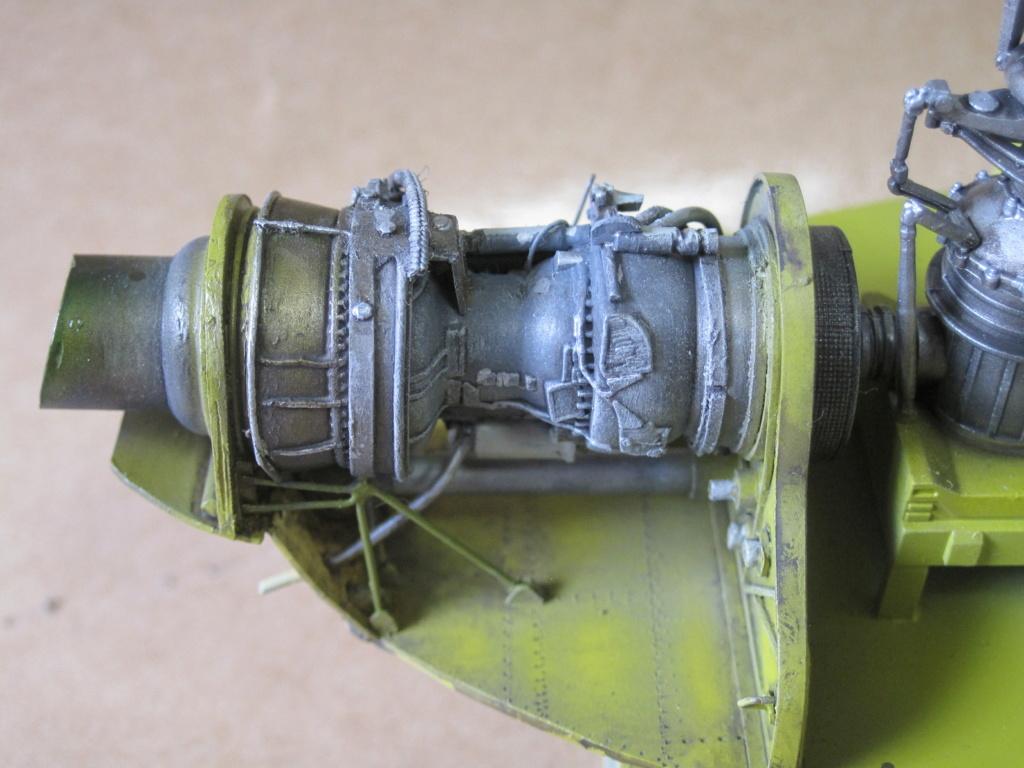 UH-1C - Academy 1/35 - Aire de maintenance - Page 3 Img_3930