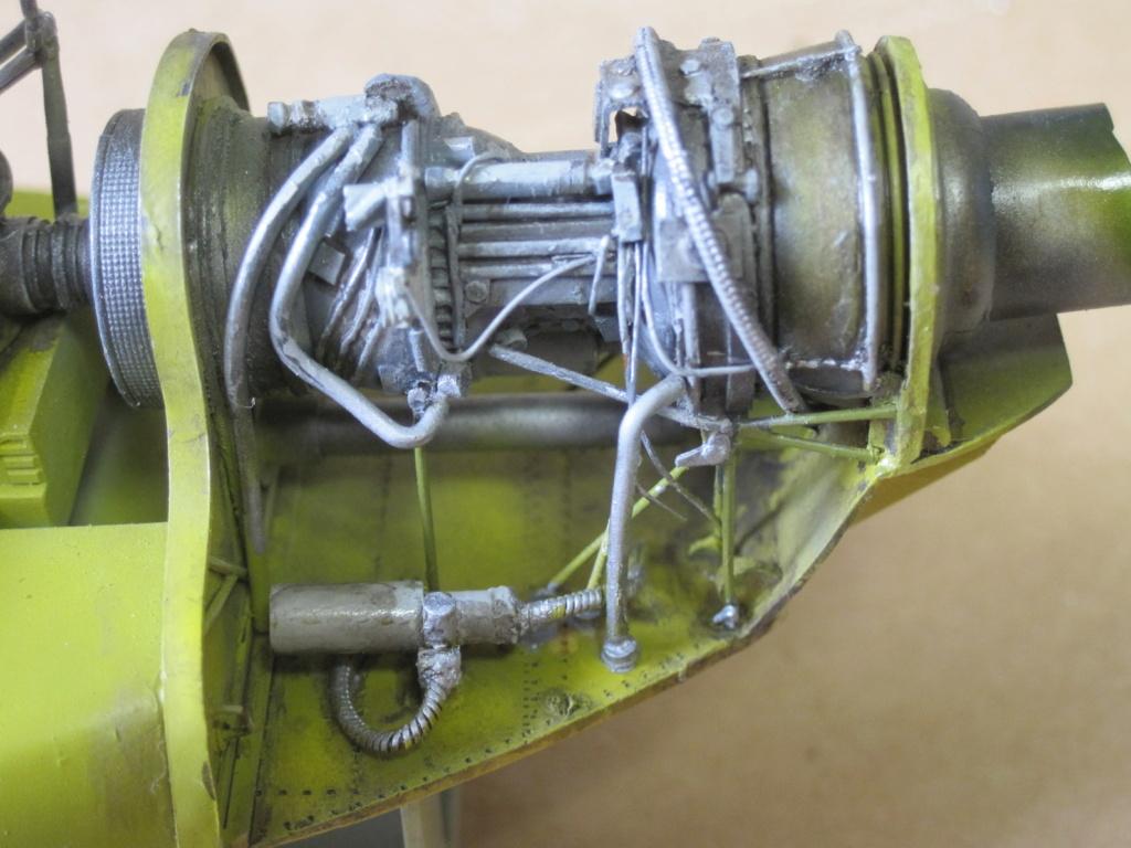 UH-1C - Academy 1/35 - Aire de maintenance - Page 3 Img_3933