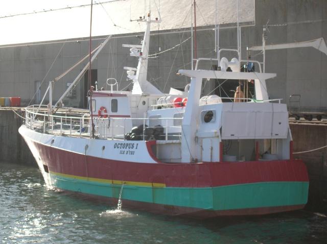 [VIE DES PORTS] Quelques bateaux de pêche (sur nos côtes Françaises) - Page 3 Dscn4510