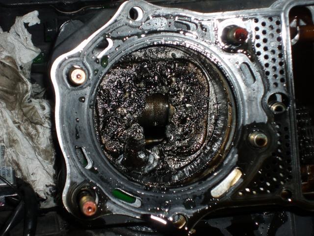 800VN - Piston percé sur 800vn ,avez vous deja vu ca ?? P1010023