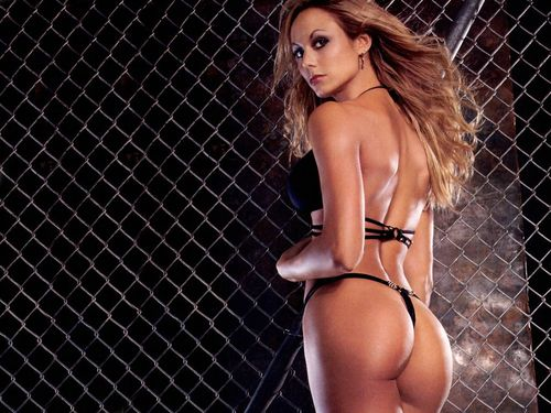 Les demi finales : Clara Morgane vs Stacy Keibler Stacy11