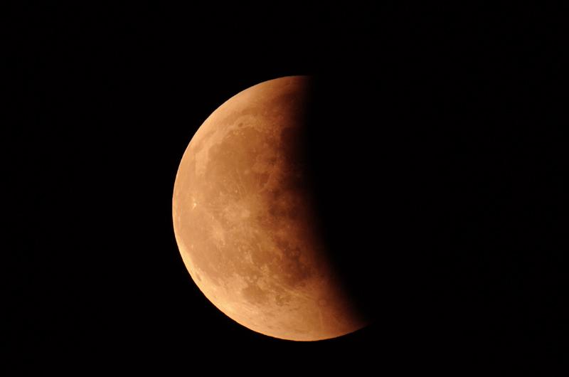 15 juin 2011 , éclipse totale de lune Nik_9916