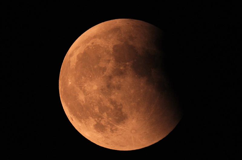 15 juin 2011 , éclipse totale de lune Nik_9917