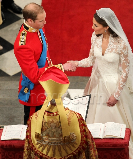 PRINCE WILLIAM  & CATHERINE  MIDDLETON Newsco13