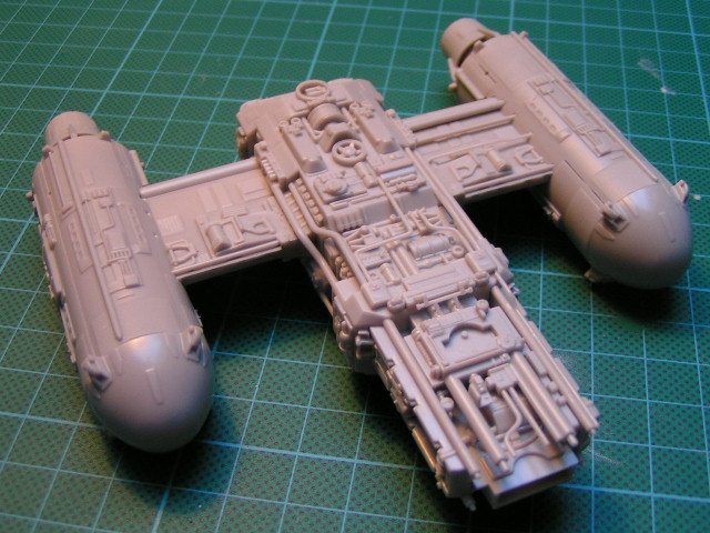 y-wing finemolds 1/72 FINI le 11/11 00510