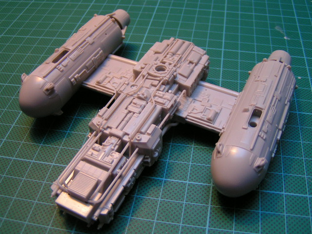 y-wing finemolds 1/72 FINI le 11/11 00610