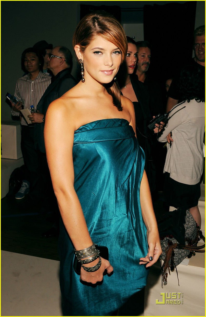 Mercedes-Benz Fashion Week [13-09-10] Ashley49