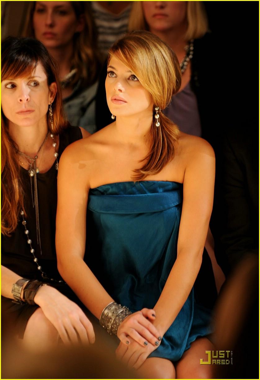 Mercedes-Benz Fashion Week [13-09-10] Ashley50