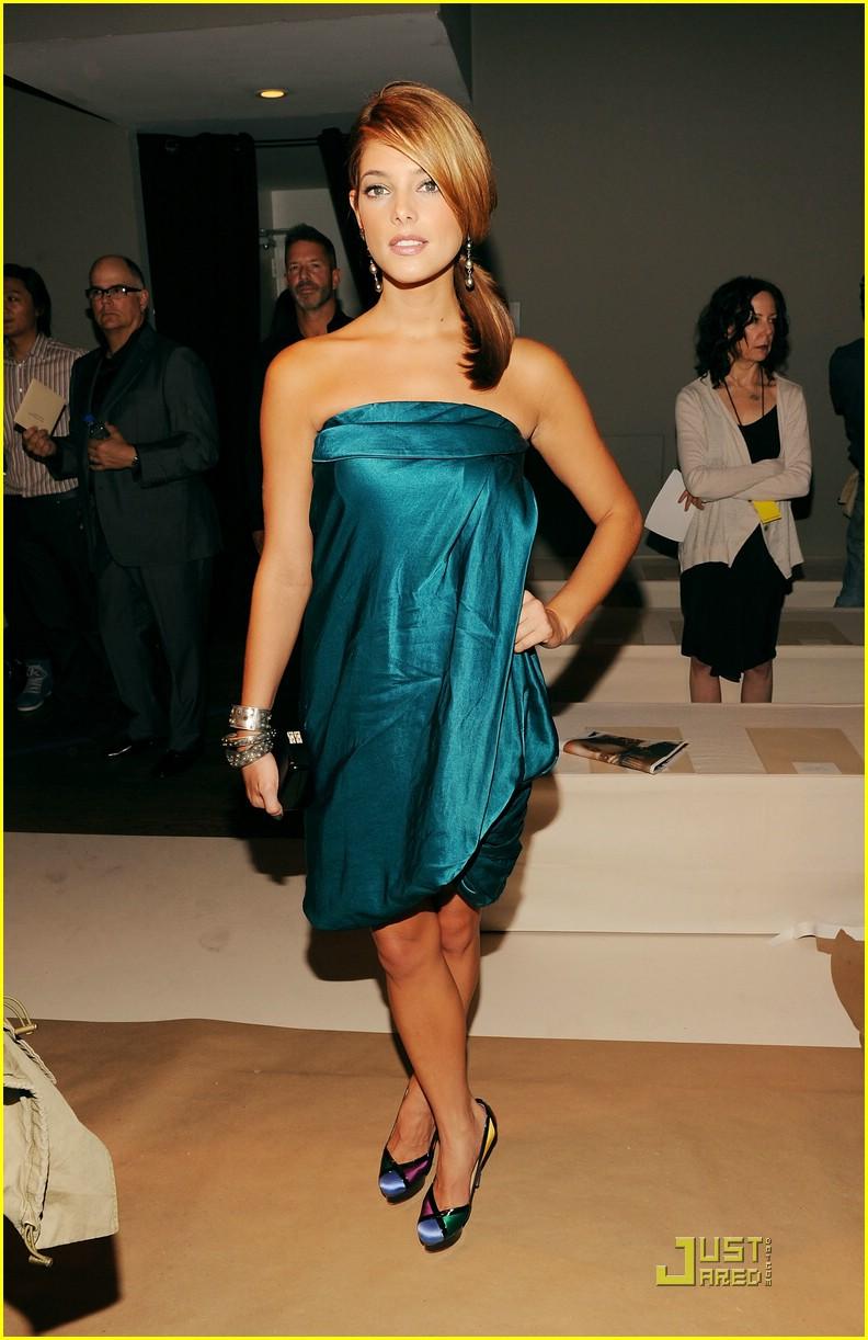 Mercedes-Benz Fashion Week [13-09-10] Ashley52