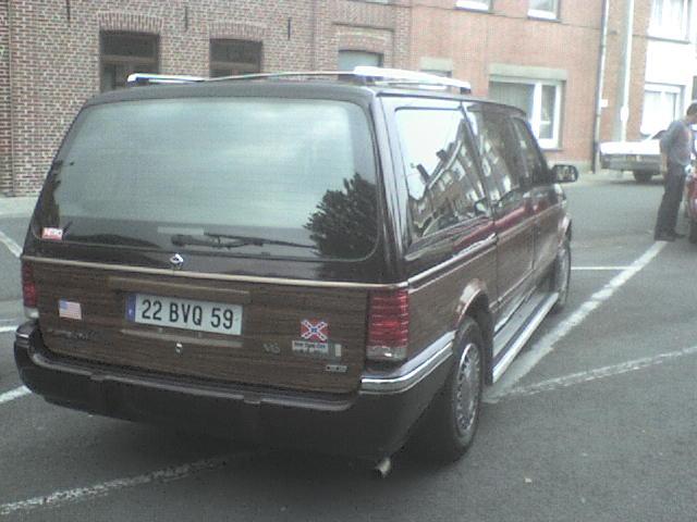 je vous présente mon Plymouth Dsc00019