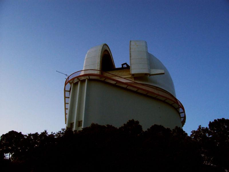 Observatoires astronomiques vus avec Google Earth - Page 10 800px-12