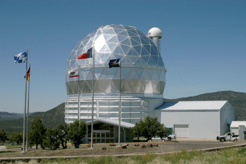 Observatoires astronomiques vus avec Google Earth - Page 10 800px-13