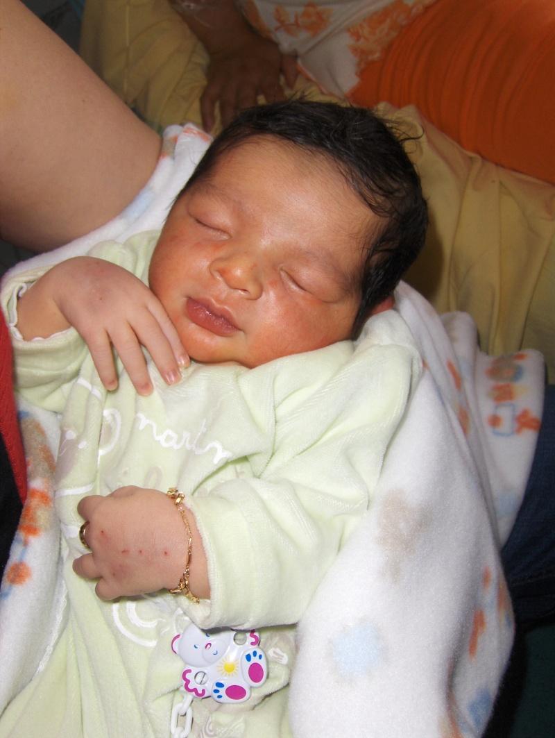 bébé est arrivé Hpim1911