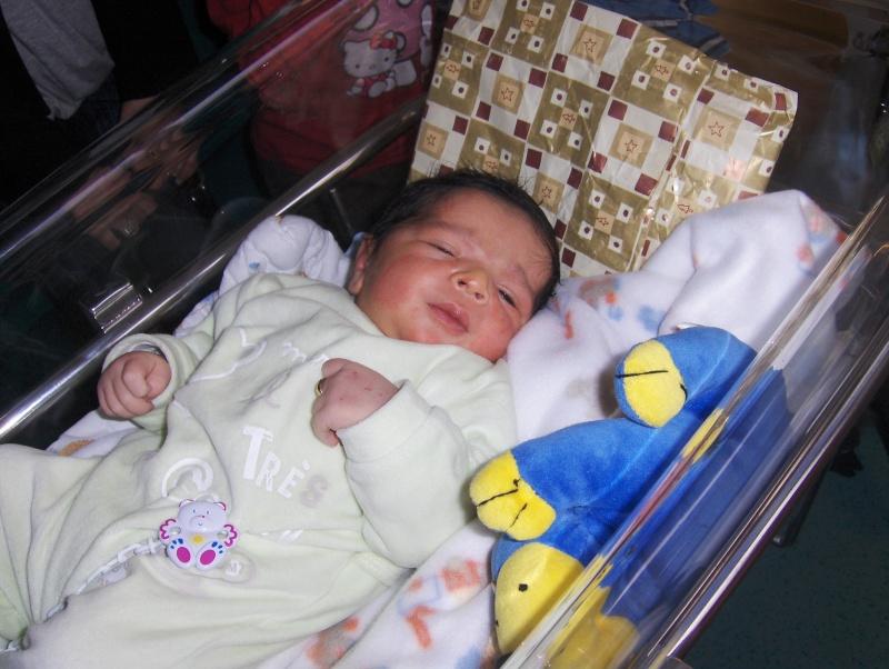bébé est arrivé Hpim2010