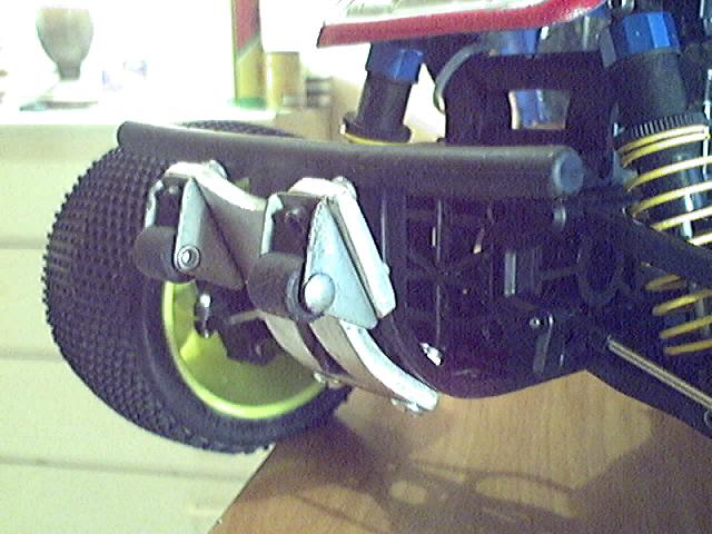 Wheelie bars sur TNX 5.2 Image_17