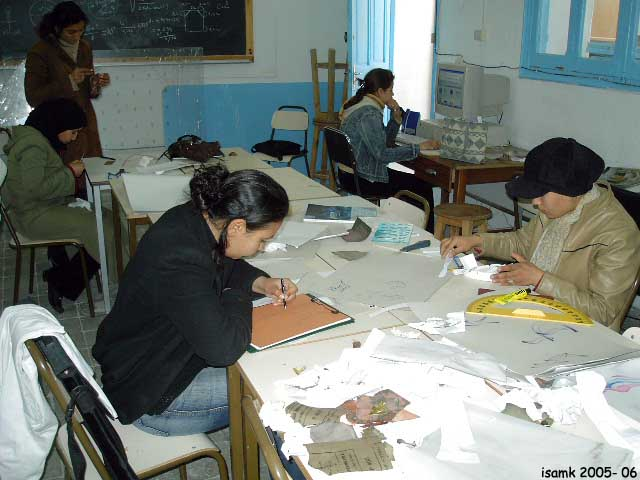 أعمال طلبة السنة الثانية تصميم المصوغ 2005-2006 (isamk) Bij_7812