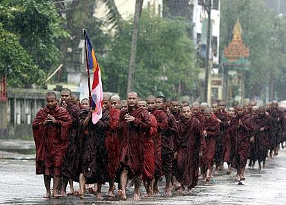Nos frères et soeurs de Birmanie... Birman11