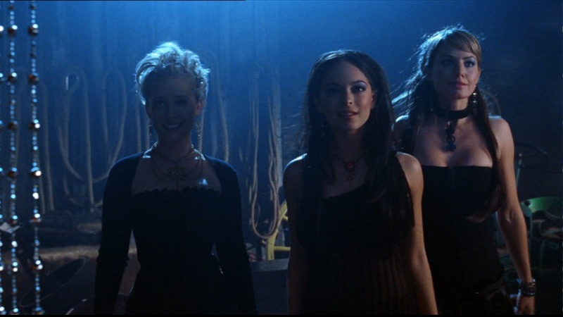 Charmed, Smallville, Buffy, Angel, Alias, That 7th Show, etc - Page 2 Cap41710