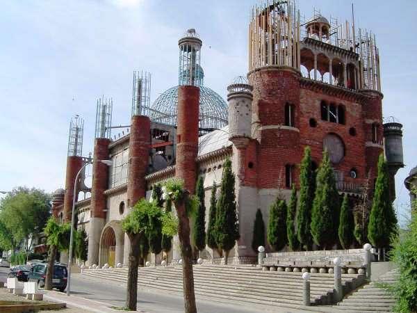 [Défi Résolu] - Cathédrale de Justo à Madrid - (Déplacer des montagnes !) - Page 3 Cathed10