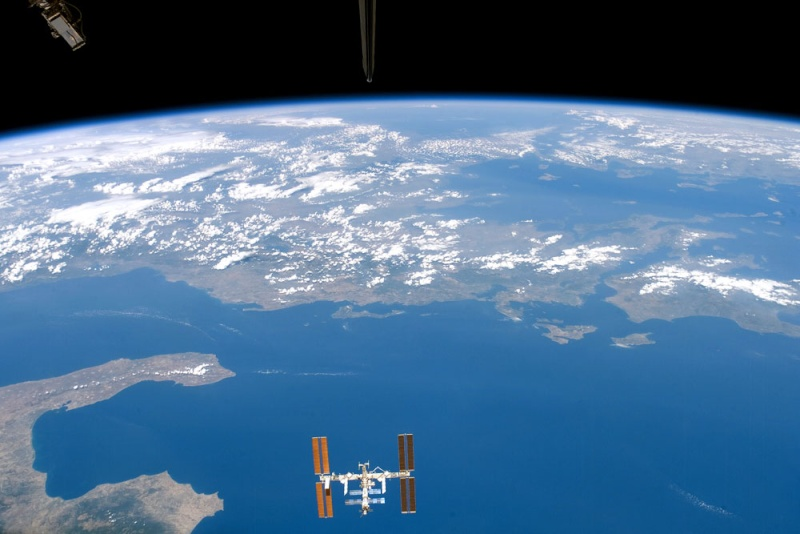 Earthobservatory - NASA L_iss_10