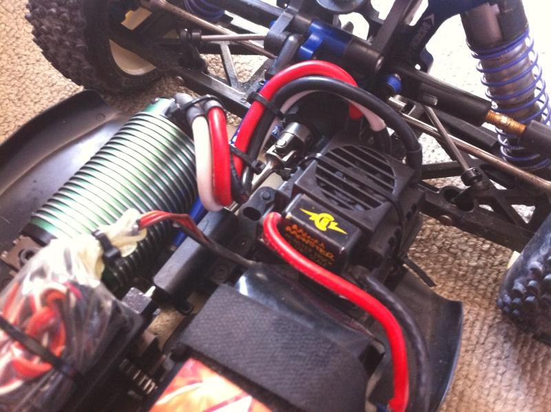 sorti des cables moteur castle Cables10