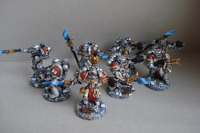 [40k] Mes Chevaliers Gris et mon Inquisition Dsc04811