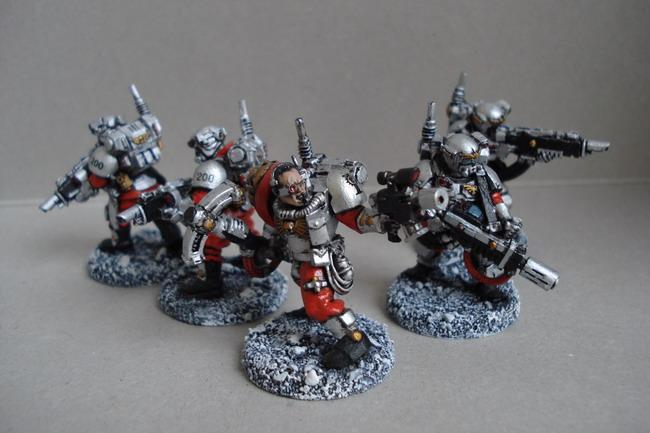 [40k] Mes Chevaliers Gris et mon Inquisition Dsc04816
