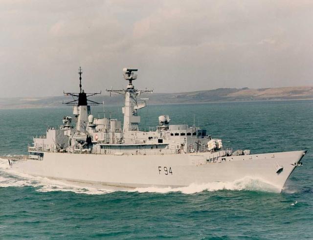 Type 22 Class frigate Brave_10