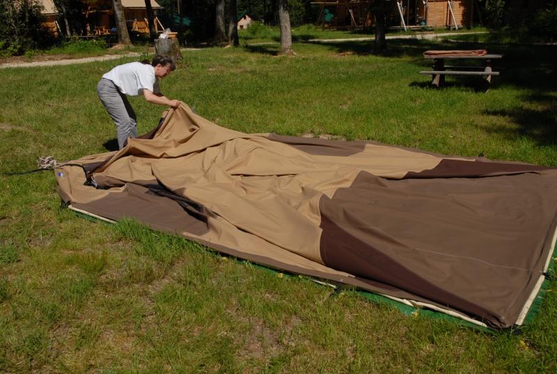 Montage d'une tente Chamonix  Dsc_0067