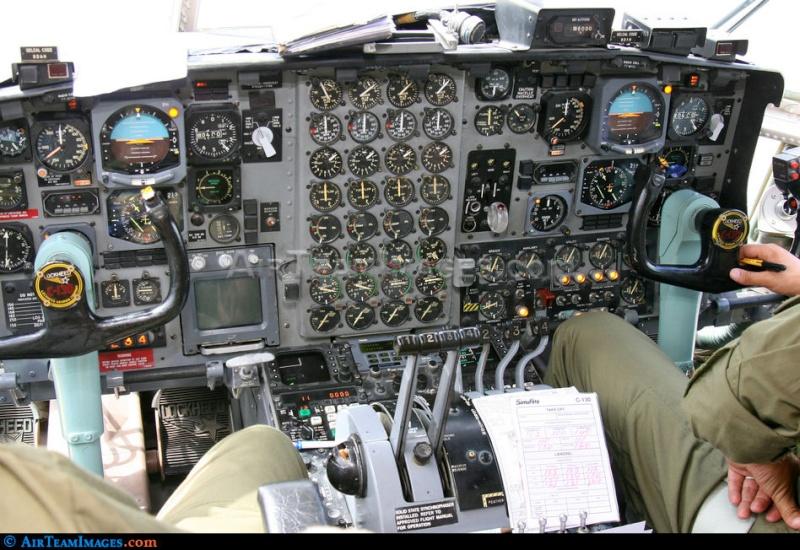 طائرة النقل سى-130 هرقل  CC-130 Hercules 38690_10