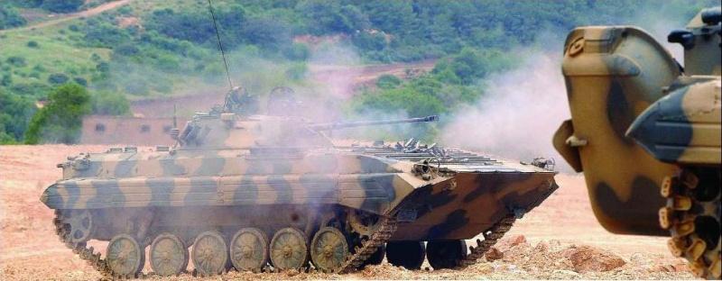الجيش الجزائري Bmp2_m10