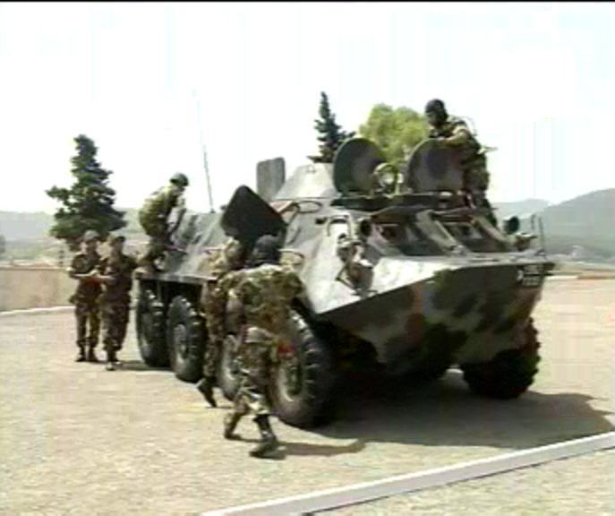الجيش الجزائري Btr60710