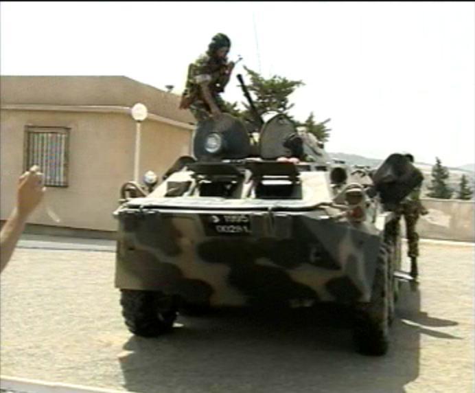 الجيش الجزائري Btr80111