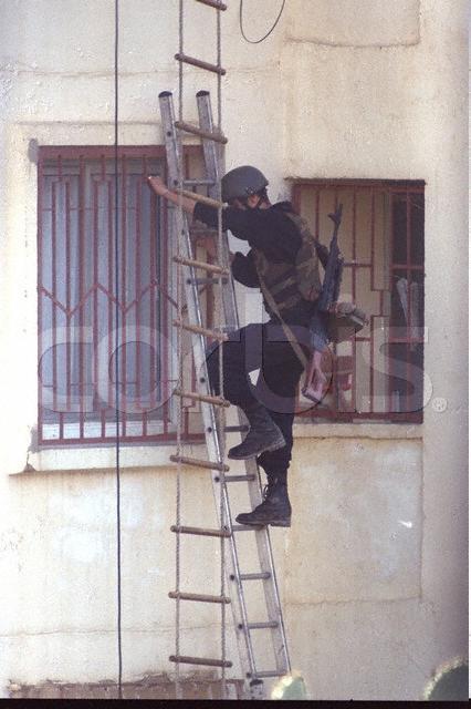 موسوعة الصور الرائعة للقوات الخاصة الجزائرية Gis_lo12