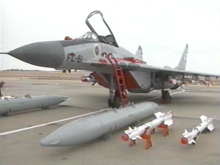 الطائرة المقاتلة الاعتراضية ميغ-29 فالكرم MIG-29 Fulcrum - صفحة 2 Mig29010
