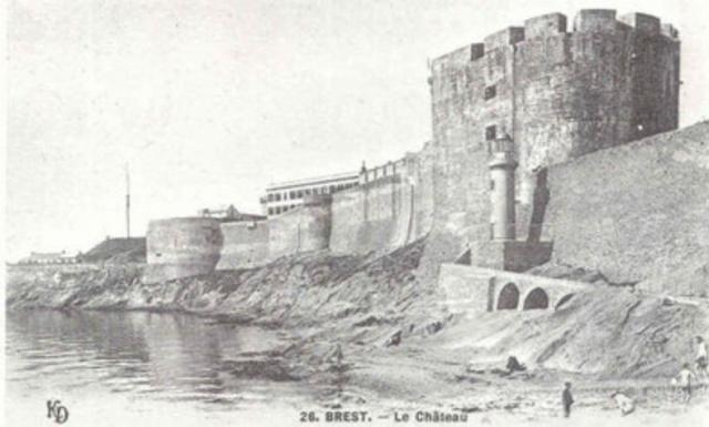 [Ports] LE VIEUX BREST - Page 10 Madele10