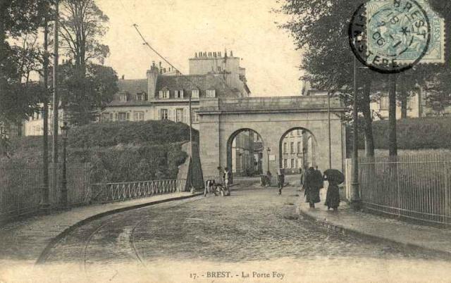 [Ports] LE VIEUX BREST - Page 10 Porte_10