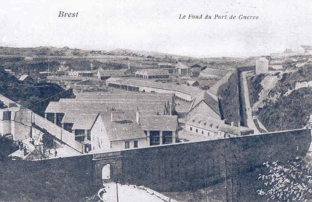 [Ports] LE VIEUX BREST - Page 10 Porte_13