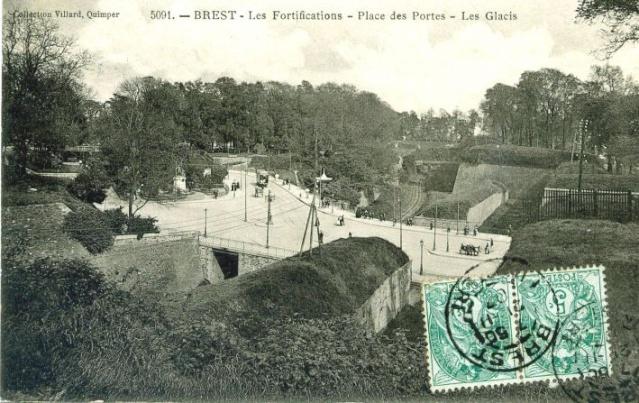 [Ports] LE VIEUX BREST - Page 10 Portes11