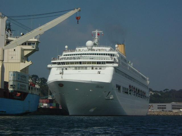 [Activité des ports, pêche plaisance] BREST 2007 - Page 2 Oriana11