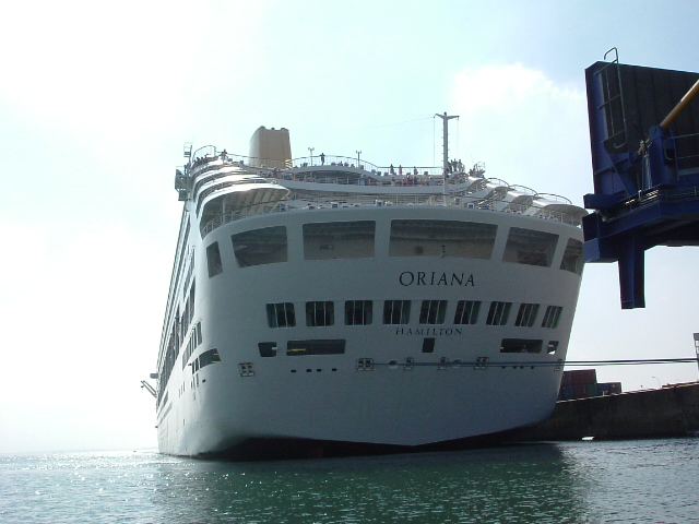 [Activité des ports, pêche plaisance] BREST 2007 - Page 2 Oriana14